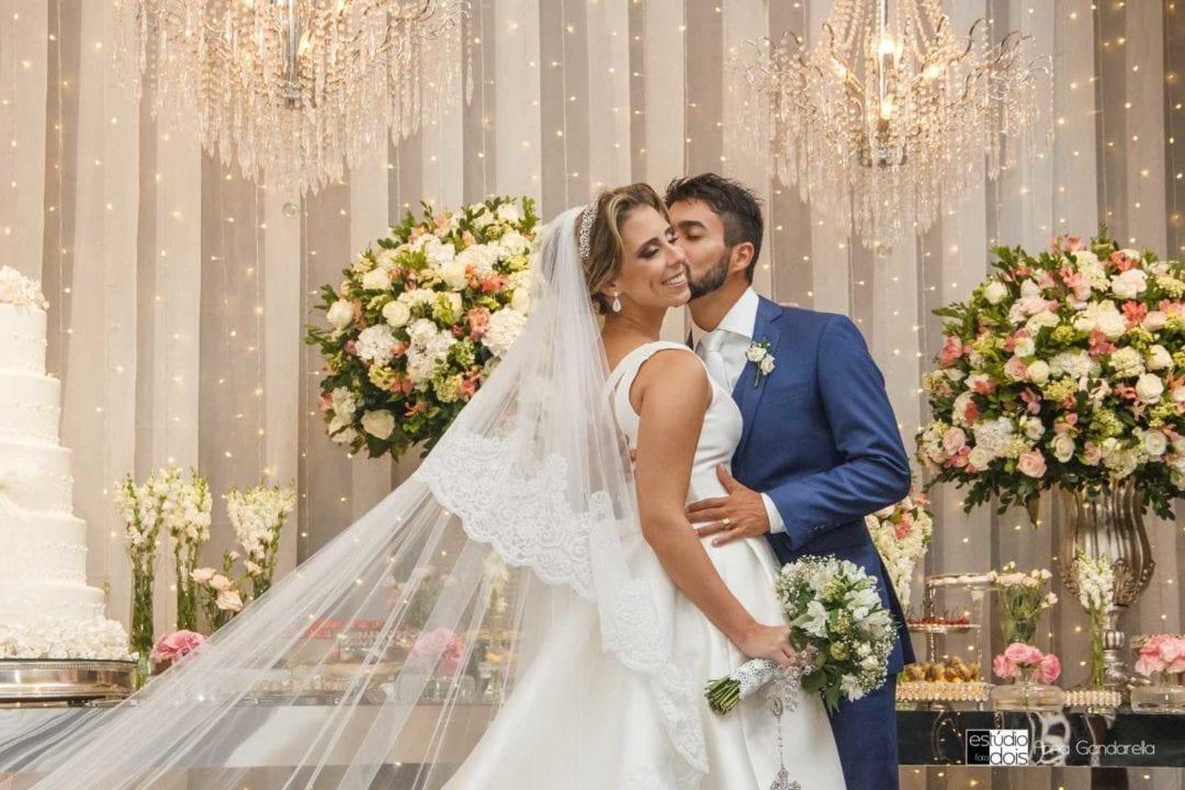 Casamento moderno Lívia e Wesley