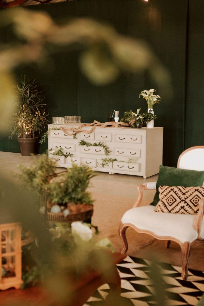 armário branco vintage